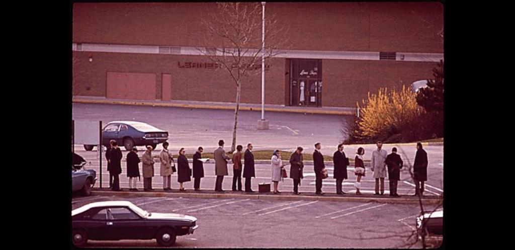 riders lining up